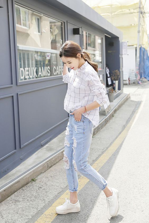 Mixi áo sơ mi với quần jean