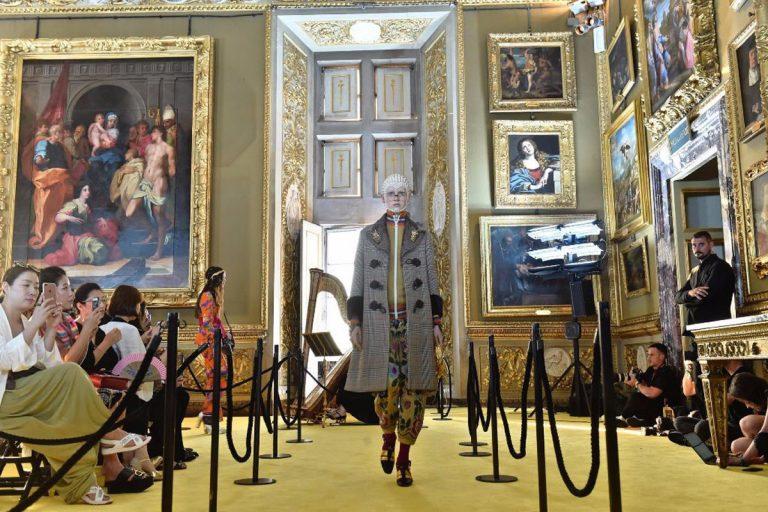 Đây là không gian nơi diễn ra màn catwalk bộ sưu tập của Gucci