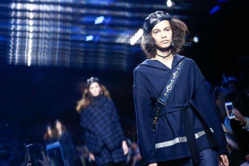Màu xanh navy làm nổi bật bộ sưu tập của Dior
