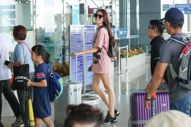 thời trang sân bay, gu thời trang sân bay, sao mặc đẹp