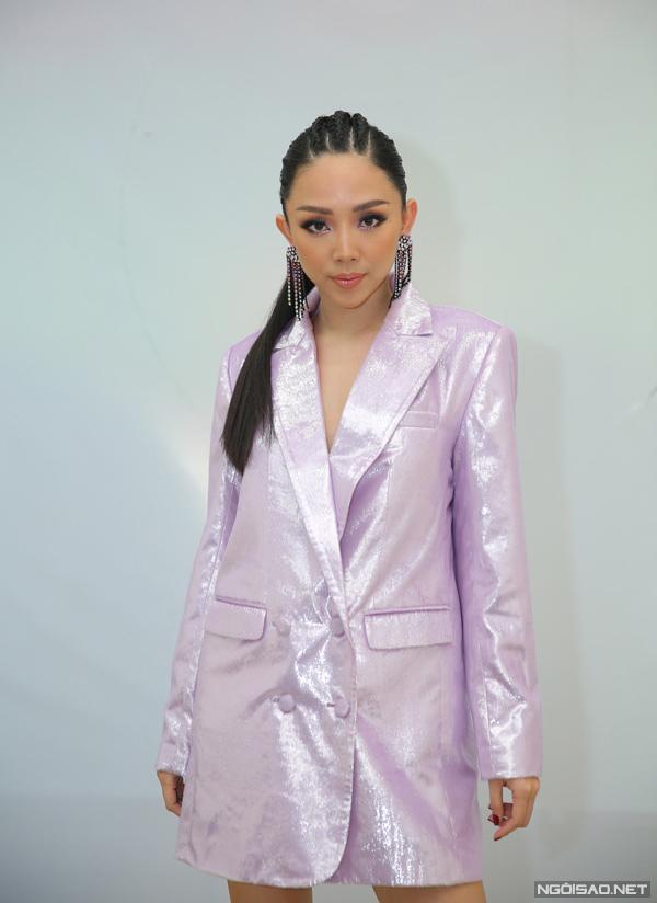 Bộ trang phục khiến Tóc Tiên mất điểm