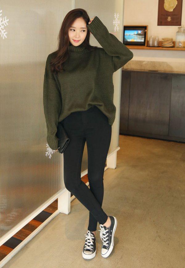 Phối đồ với áo len Mix cùng quần skinny jean