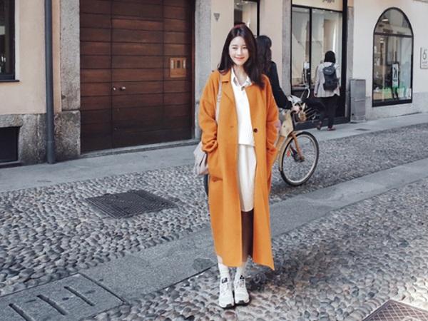 Cách phối đồ với áo khoác dạ và chân váy