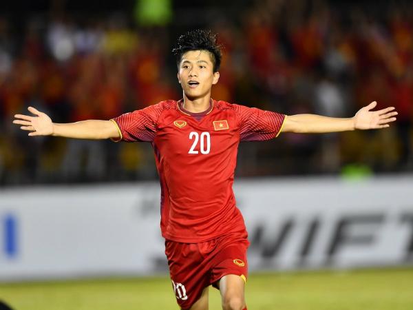 HLV Park Hang Seo đón tin không vui từ phía Phan Văn Đức