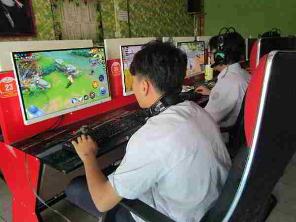 mơ thấy chơi điện tử