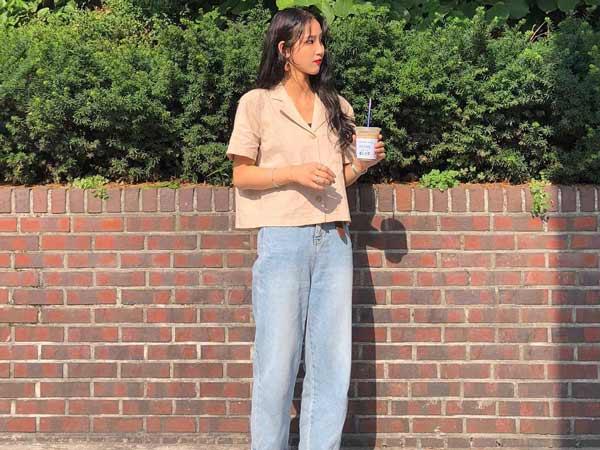 Item quần jean ống rộng với áo sơ mi