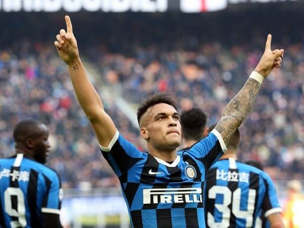 Inter hỏi mua Aubameyang thay thế Lautaro