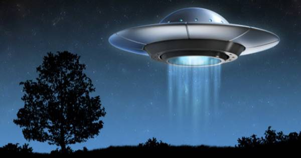 Nằm mơ thấy đĩa bay là điềm báo gì?